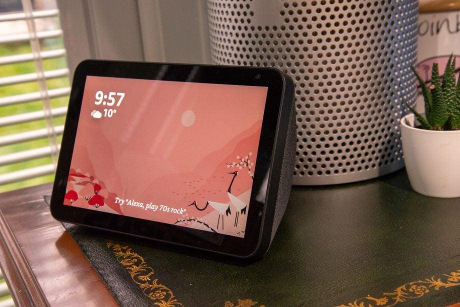 Amazon Echo Show 8 side