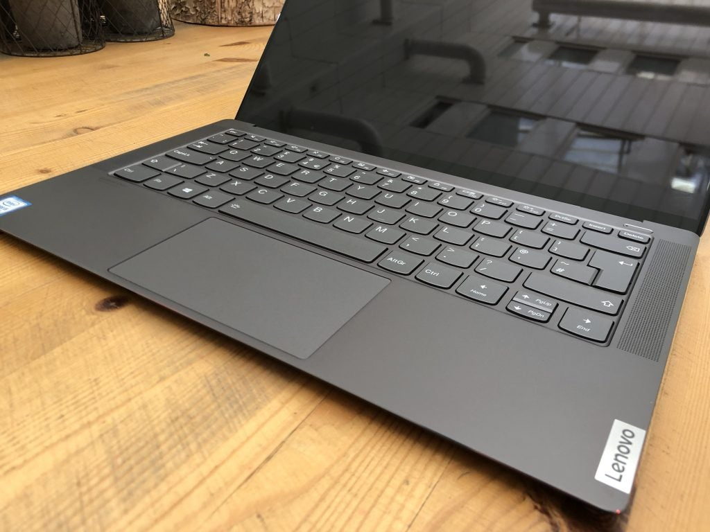 Lenovo Yoga S940 Review Stylish 4k Laptop With Ai Skills