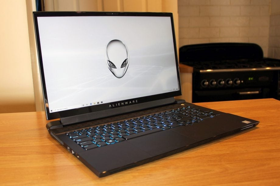 Alienware m17 02