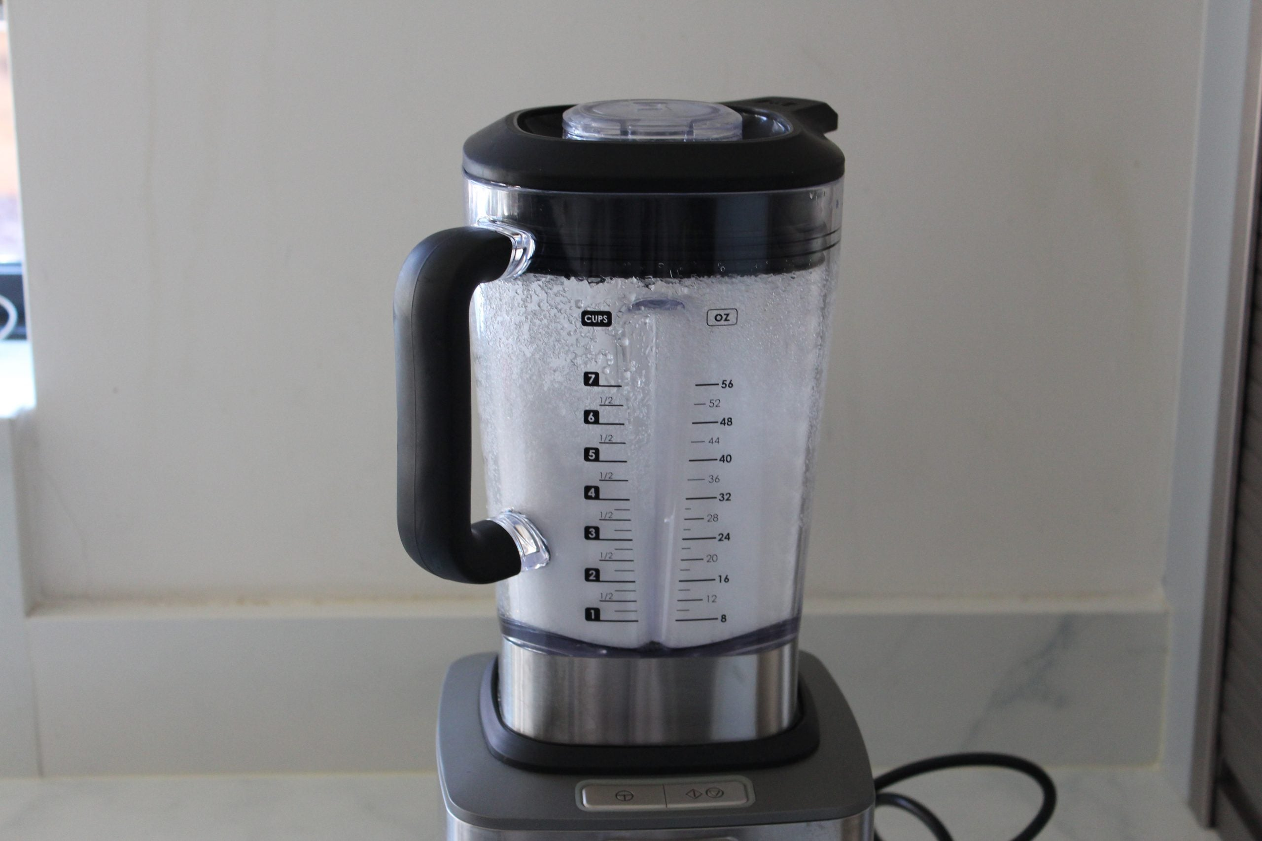 Wolf Gourmet High Performance Blender Crushed Ice