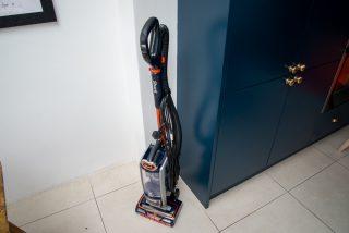 Shark Anti Hair Wrap Upright Vacuum Cleaner with Powered Lift-Away and TruePet NZ801UKT hero