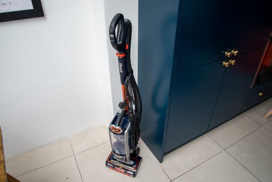 Shark Anti Hair Wrap Upright Vacuum Cleaner with Powered Lift-Away and TruePet NZ801UKT hero