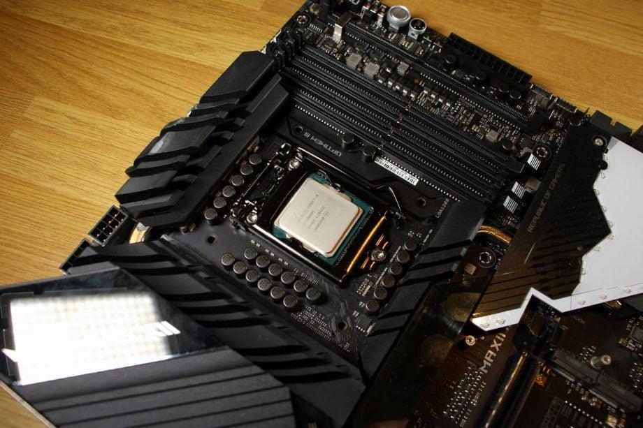 Intel Core i5-10600K 03