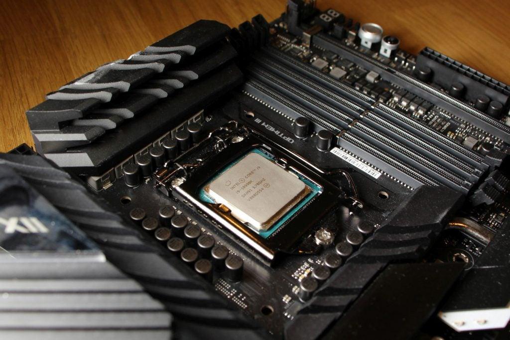 Best Gaming CPU - Intel Core i9-10900K 01