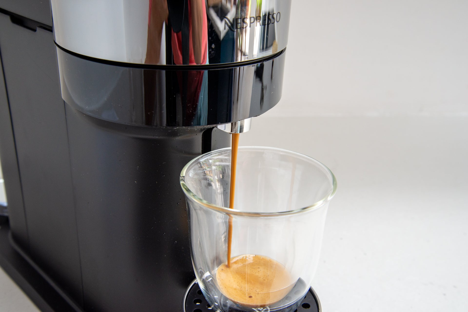 How to use a Nespresso Vertuo or Vertuoline machine ...