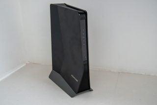 Netgear Nighthawk AX8 WiFi 6 Mesh Extender (EAX80) hero