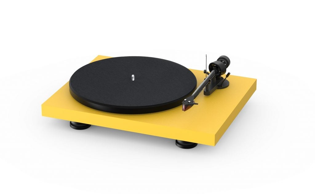 Pro-Ject Audio unveils new Debut Carbon EVO turntable