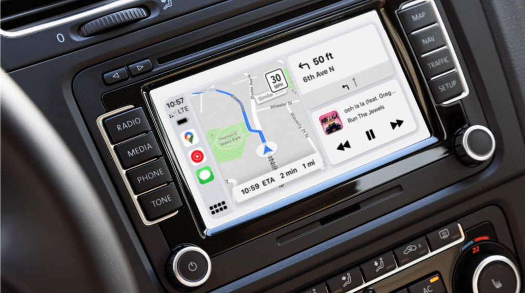 Google Maps now supports CarPlay's coolest feature, makes Apple Watch return