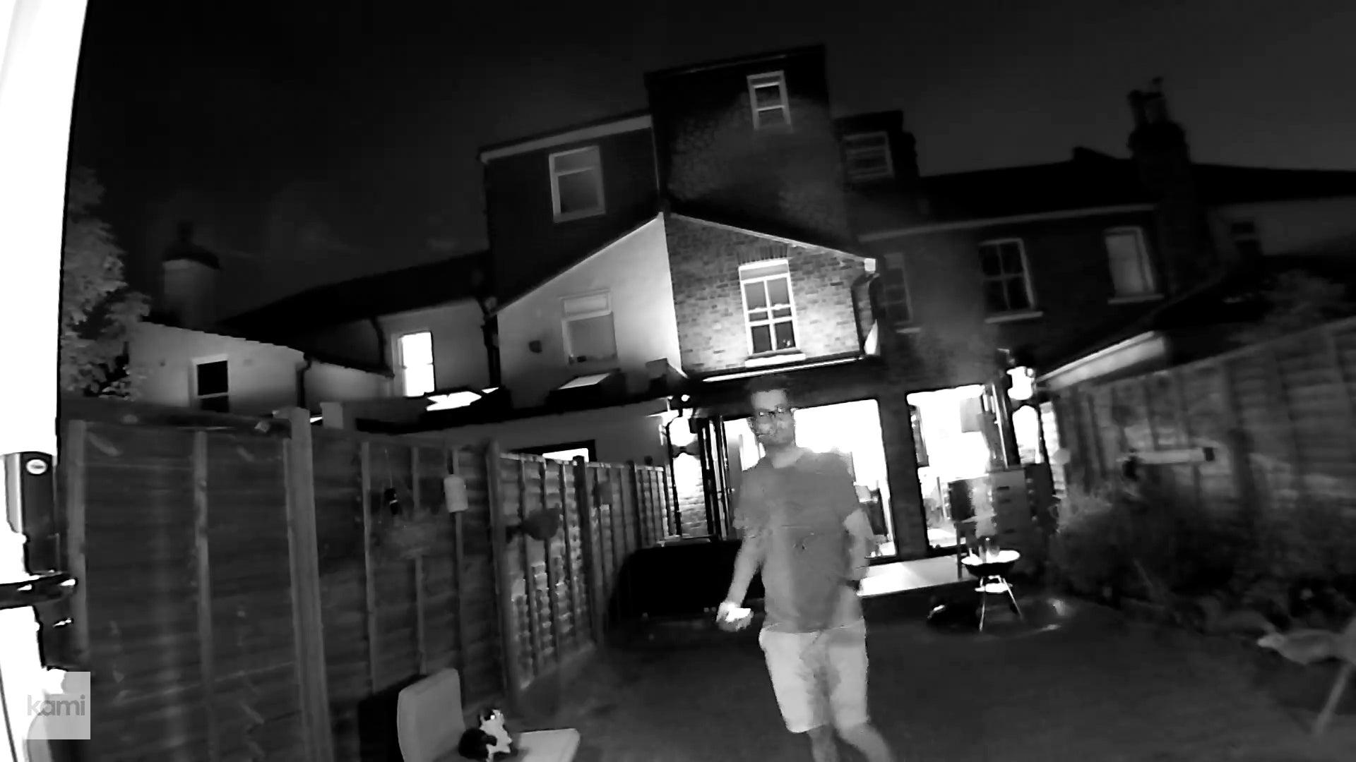 Kami Wire-Free Outdoor Camera night sample