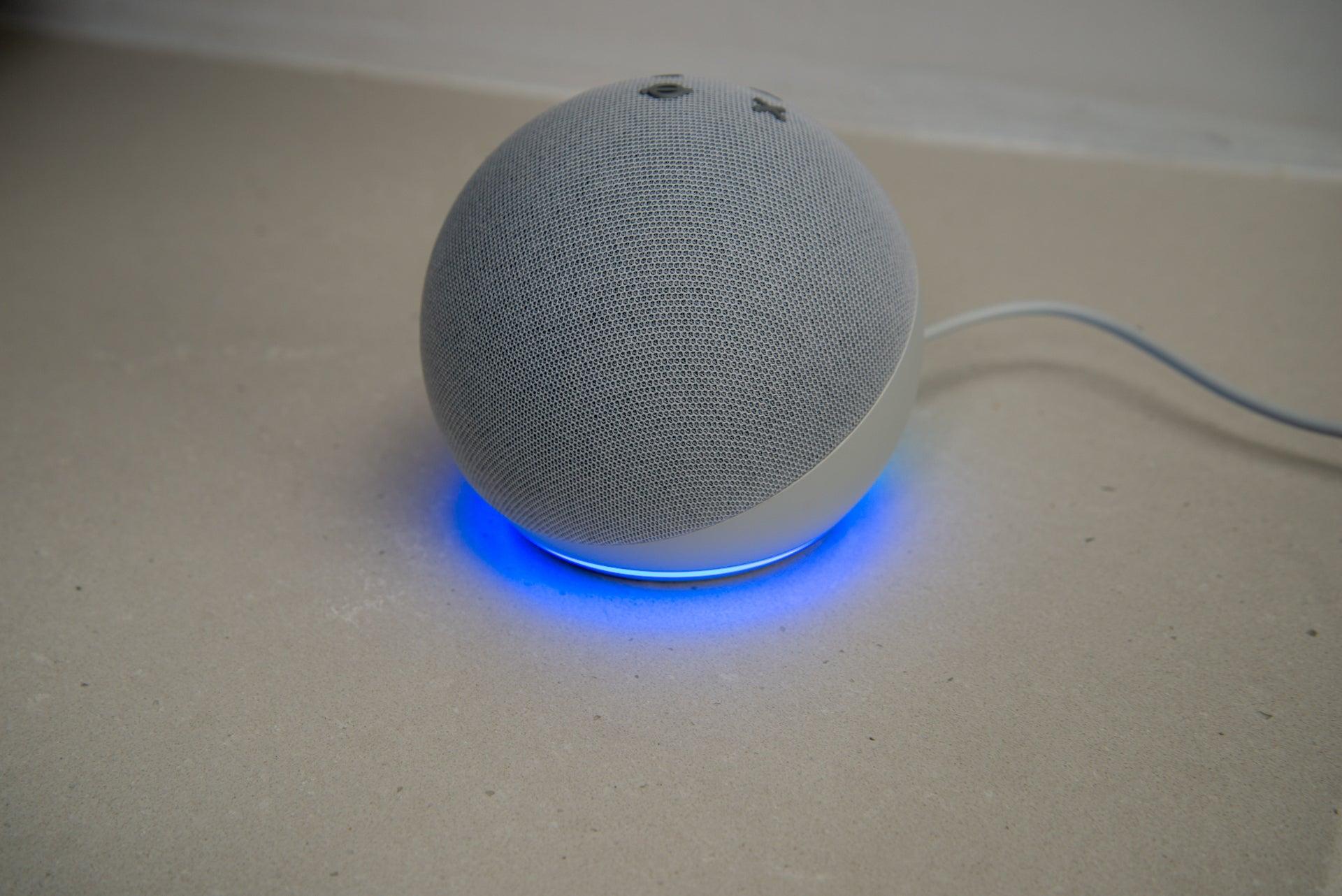 Amazon Echo Dot (4th Generation) side view lights