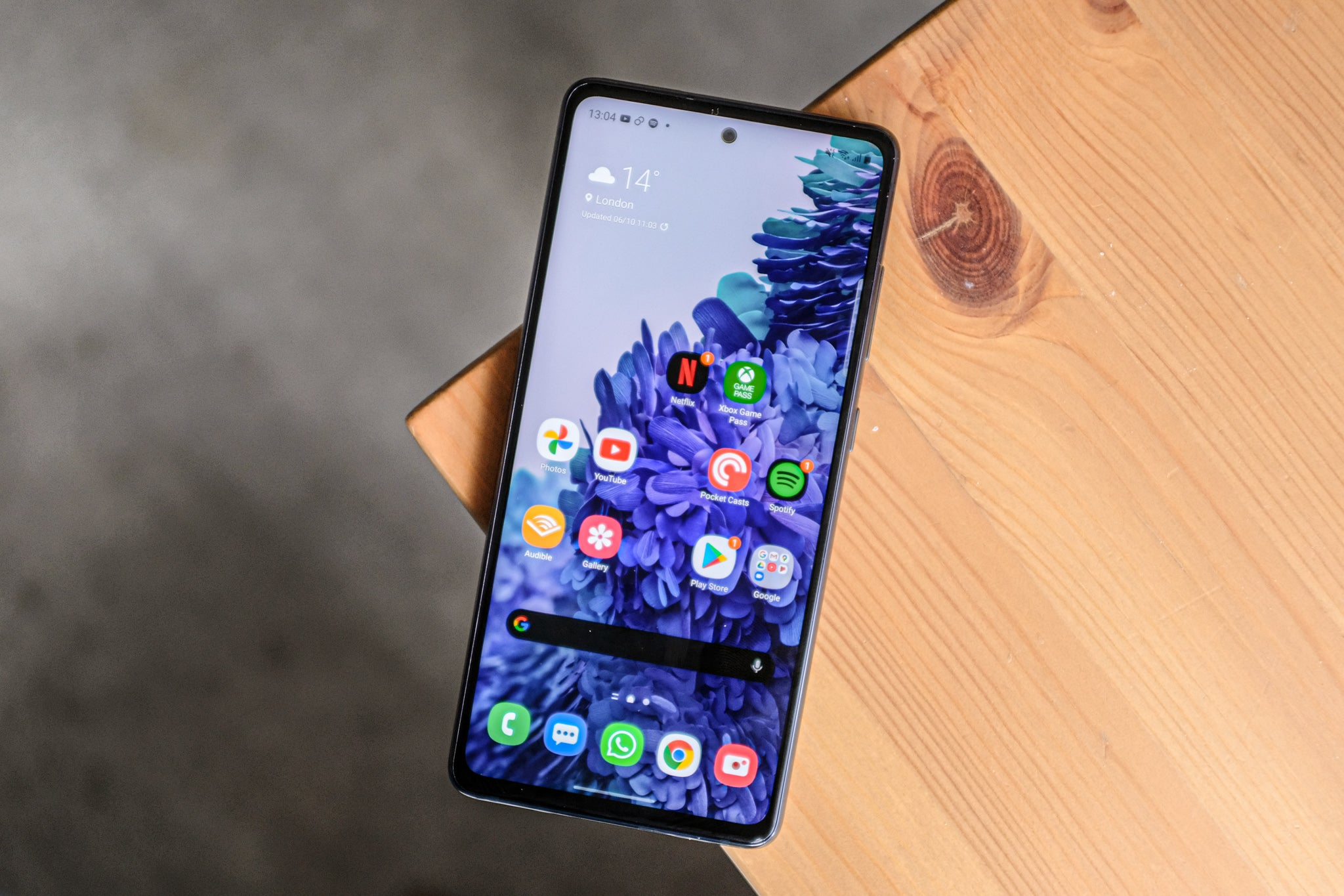 Best Mid Range Smartphones Of 2020 9 Great Mid Priced Flagships
