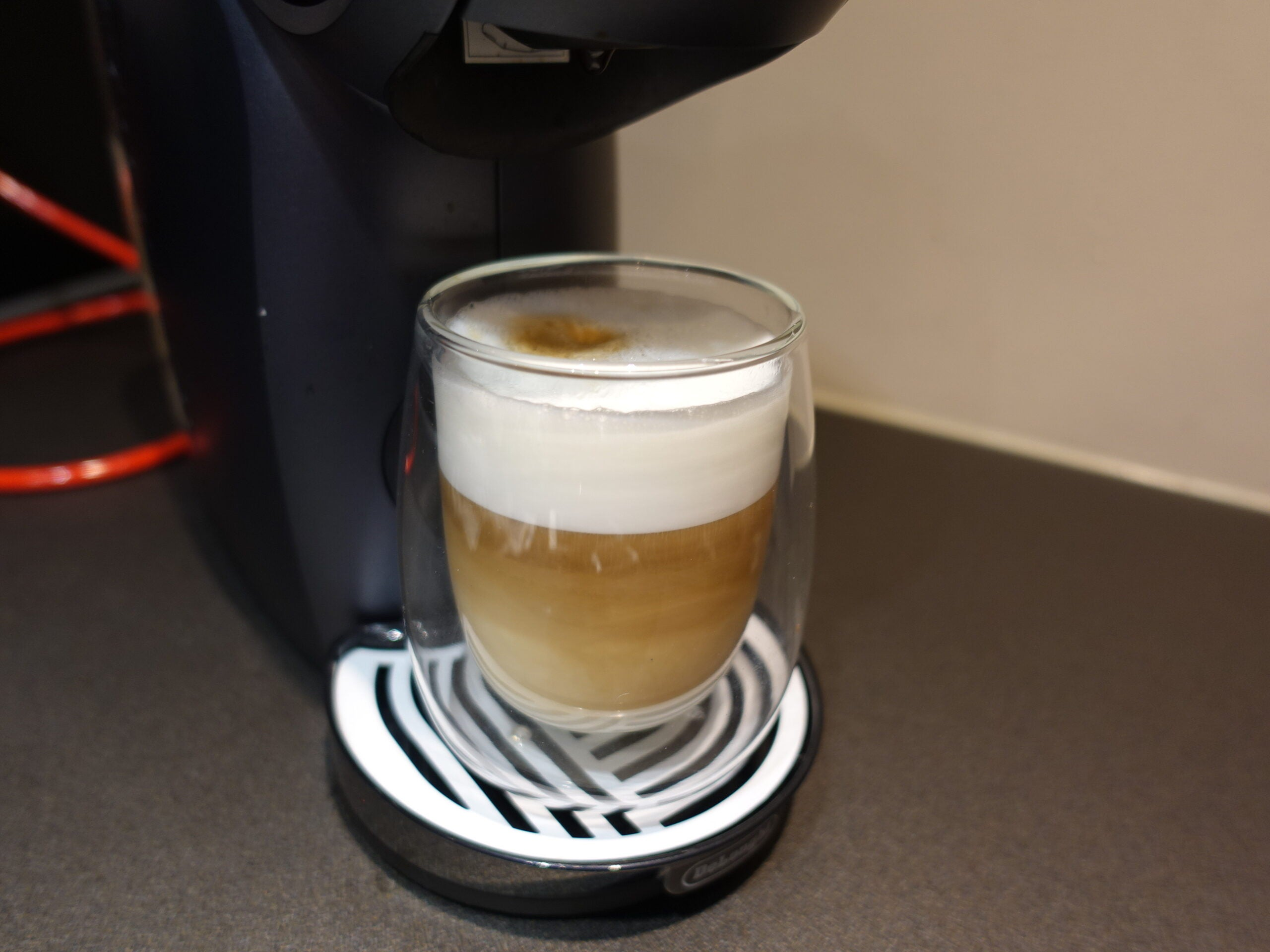De'Longhi Nescafé Dolce Gusto Genio S Touch milk