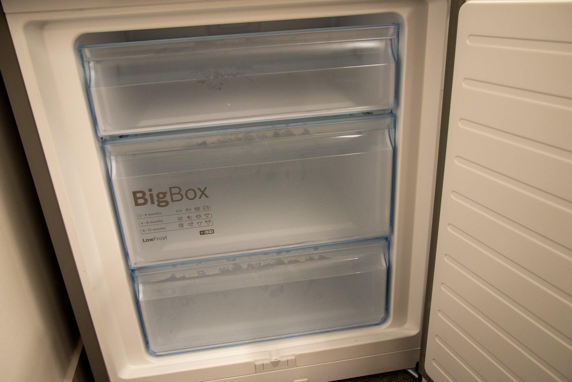Bosch Serie 6 KGE49AICAG freezer