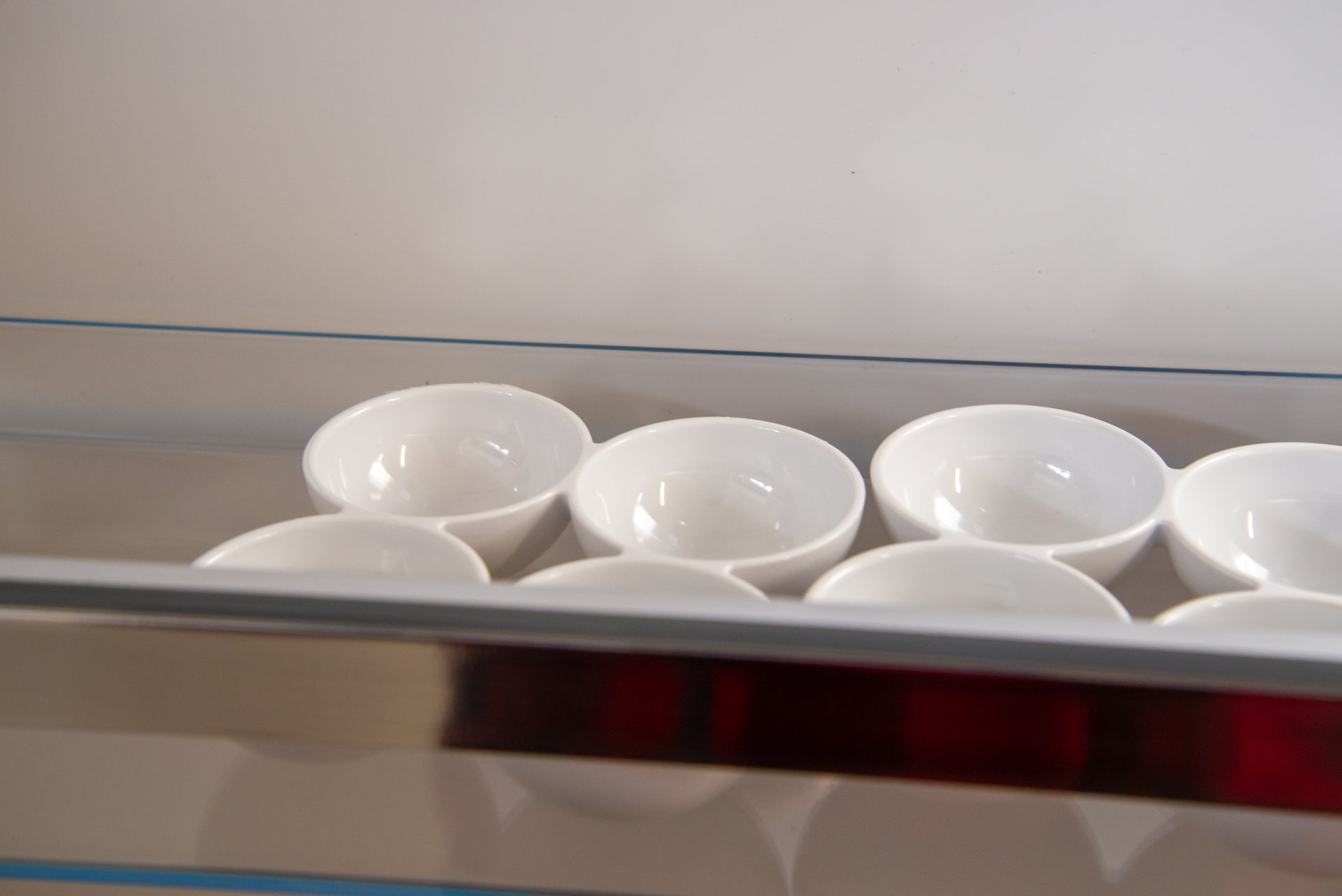 Bosch Serie 6 KGE49AICAG egg cups