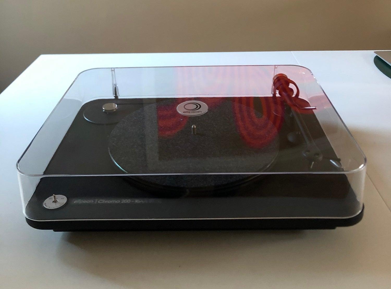 Elipson Chroma 200 RIAA BT Review: Expanding your vinyl horizons