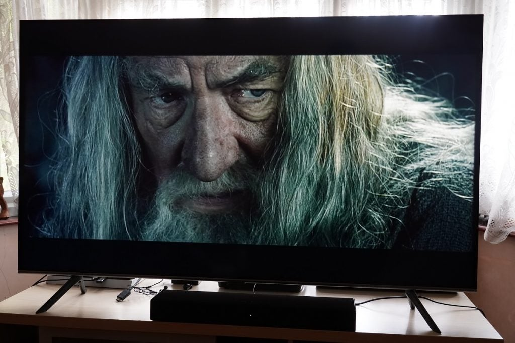 Lord of the Rings on the Samsung Q65T / Q60T TV