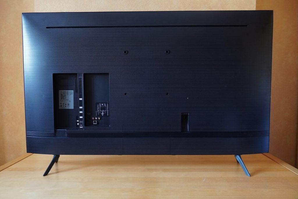 Rear panel of the Samsung Q65T / Q60T TV