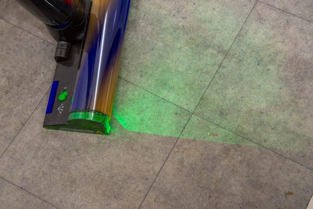 Dyson V15 Detect laser