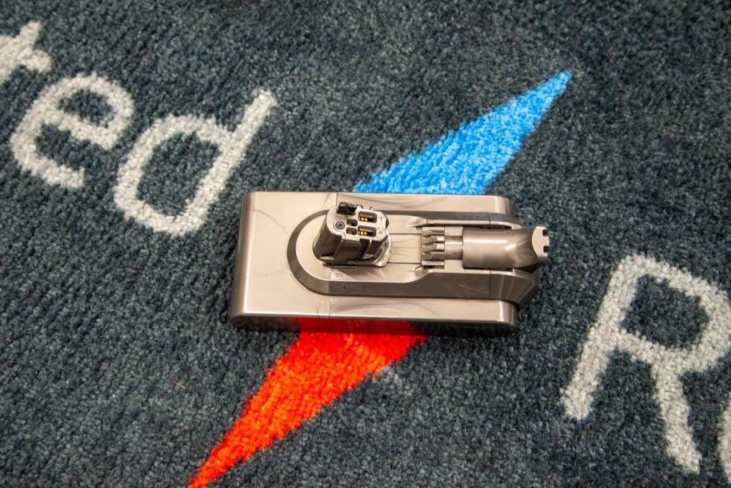 Dyson V15 Detect battery