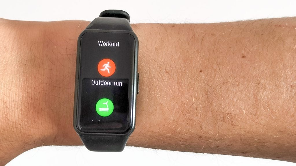 Selecing your workout modes on the Honor Band 6