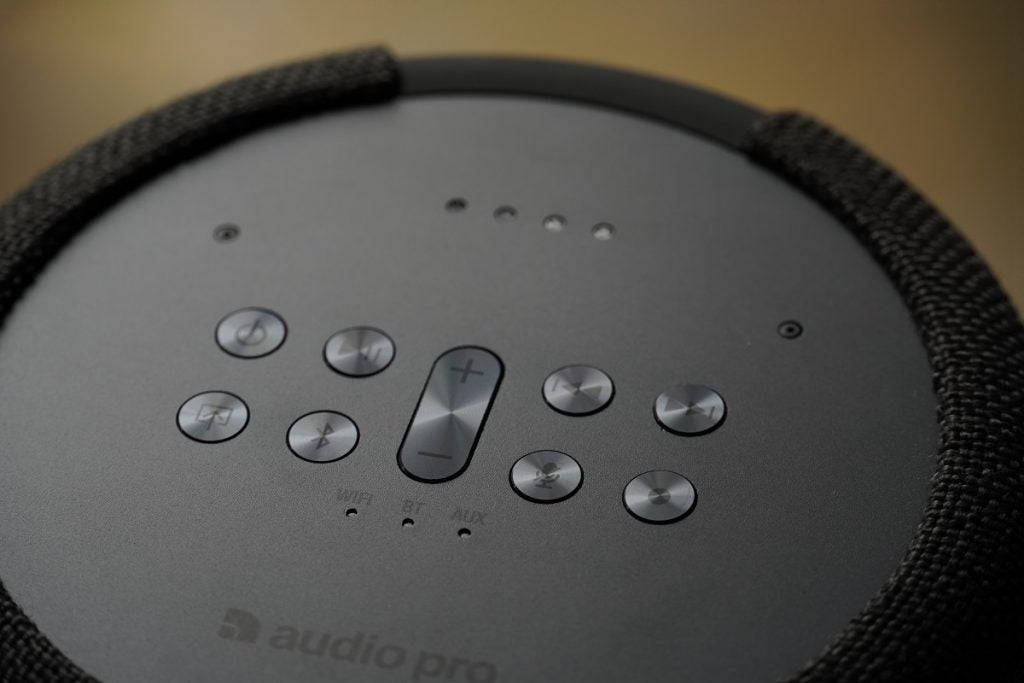 Buttons on the top plate of Audio Pro G10 speaker