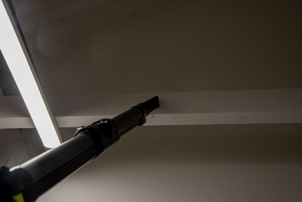 Beko PowerClean Cordless Vacuum Cleaner VRT94929VI cleaning up high