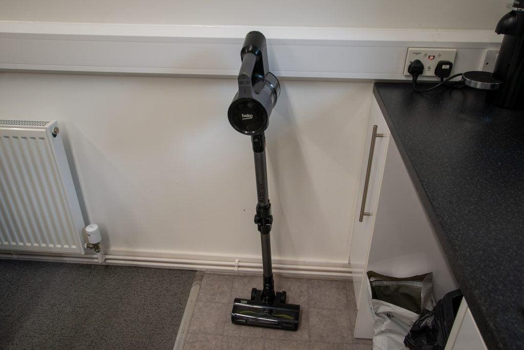 Beko PowerClean Cordless Vacuum Cleaner VRT94929VI standing up