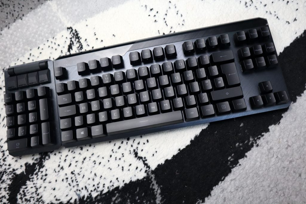 Asus ROG Claymore II with modular number pad on the left