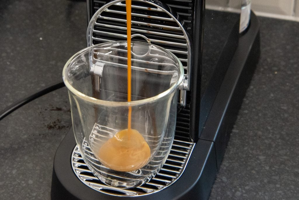 Nespresso CitiZ разливает лунго