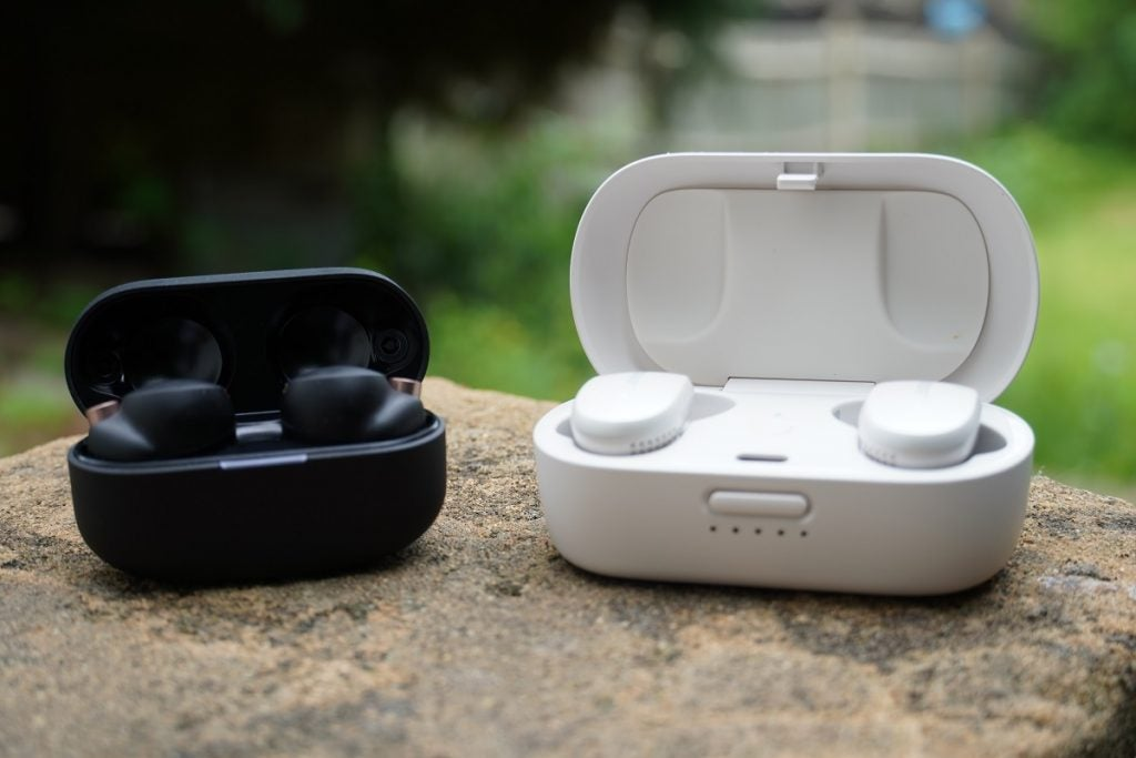 Sony XM4 case and the Bose QC earbuds case
