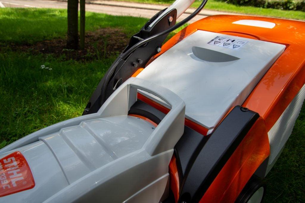 Stihl RMA 339 C carry handle