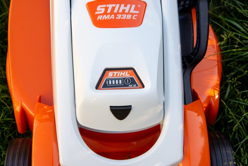 Stihl RMA 339 C battery inserted