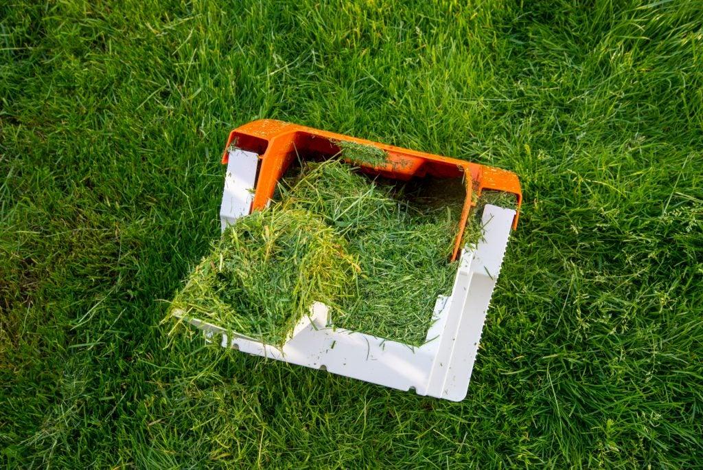 Stihl RMA 339 C full grass catcher bin