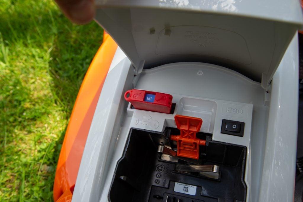Stihl RMA 339 C safety key and Eco button