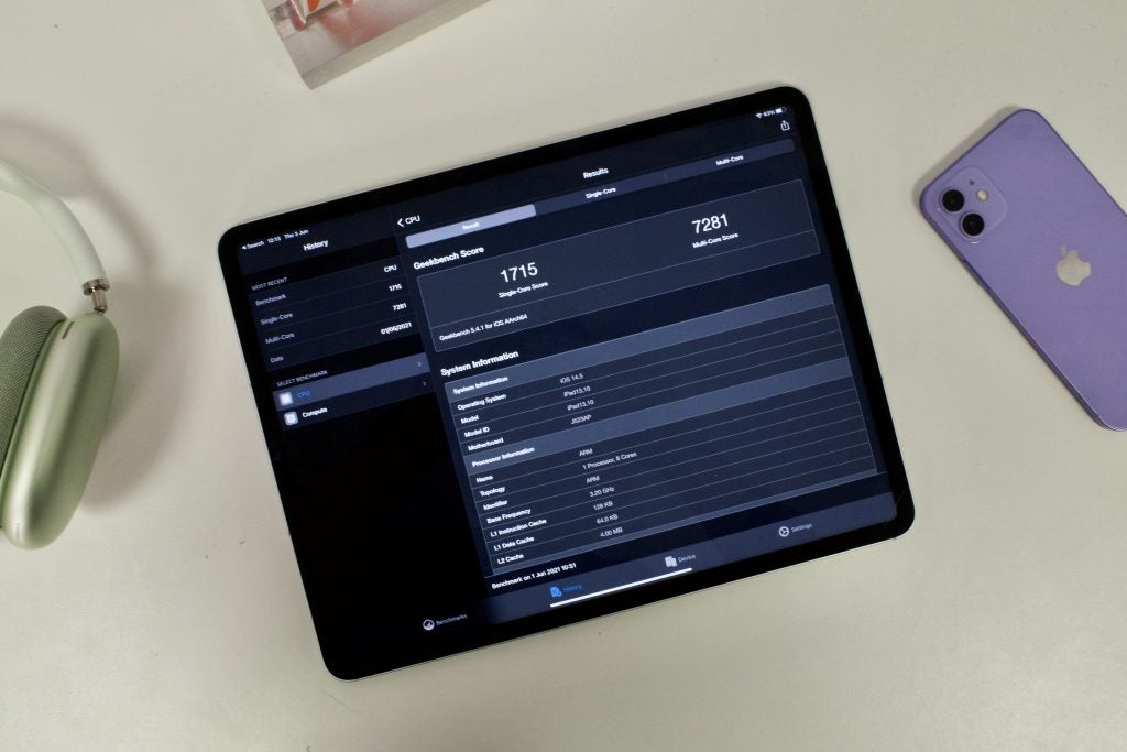 iPad Pro 2021 showing benchmark score in Geekbench