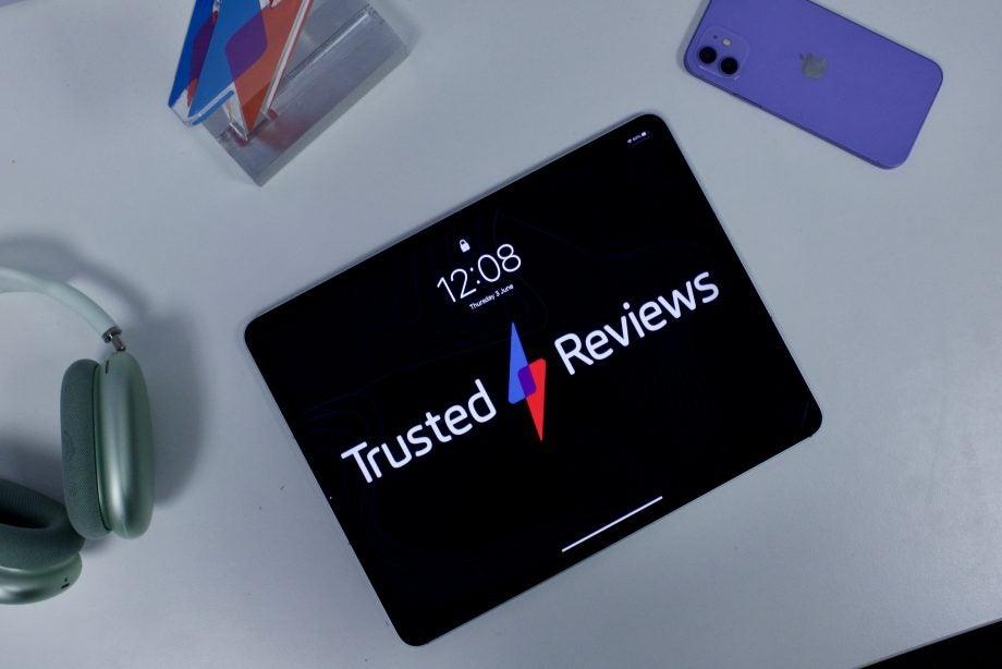 iPad Pro 2021 showing the homescreen