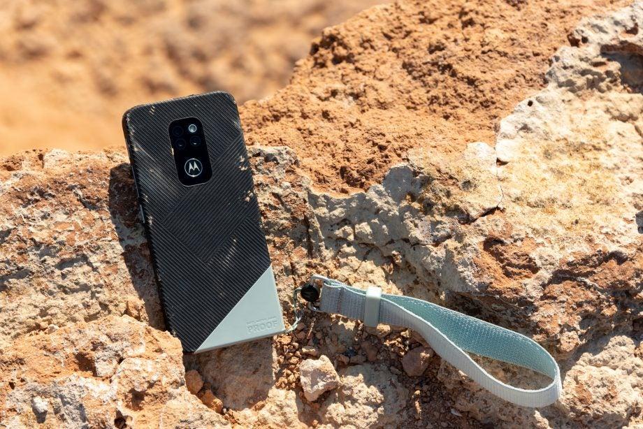 Motorola Defy in Forged Green