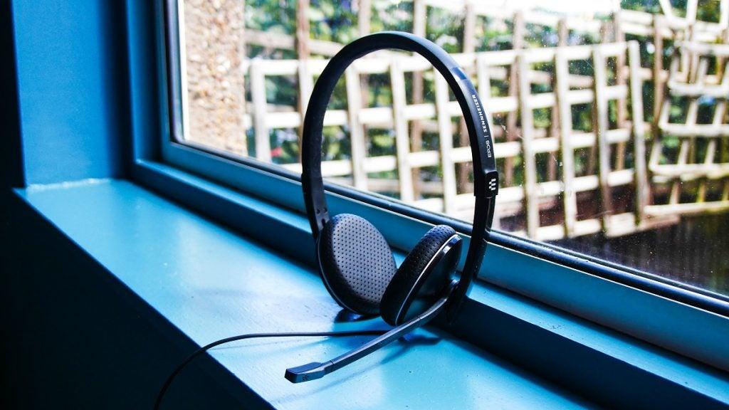 EPOS Adapt 165T on a window sill