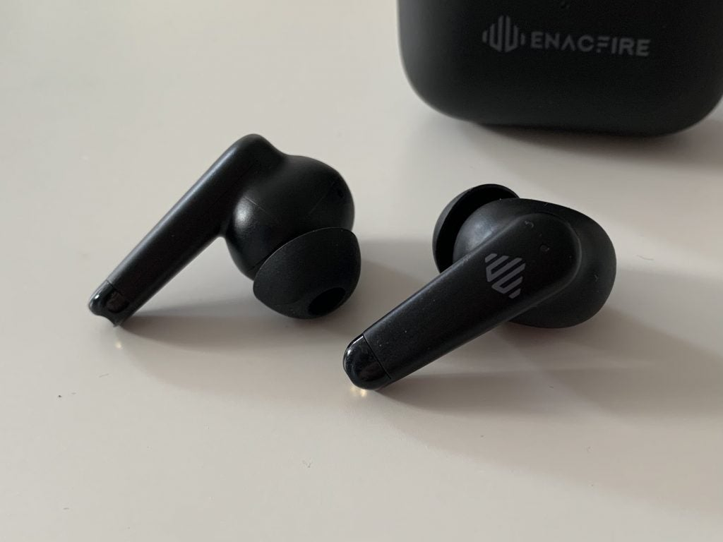 Enacfire A9 both earbuds close up