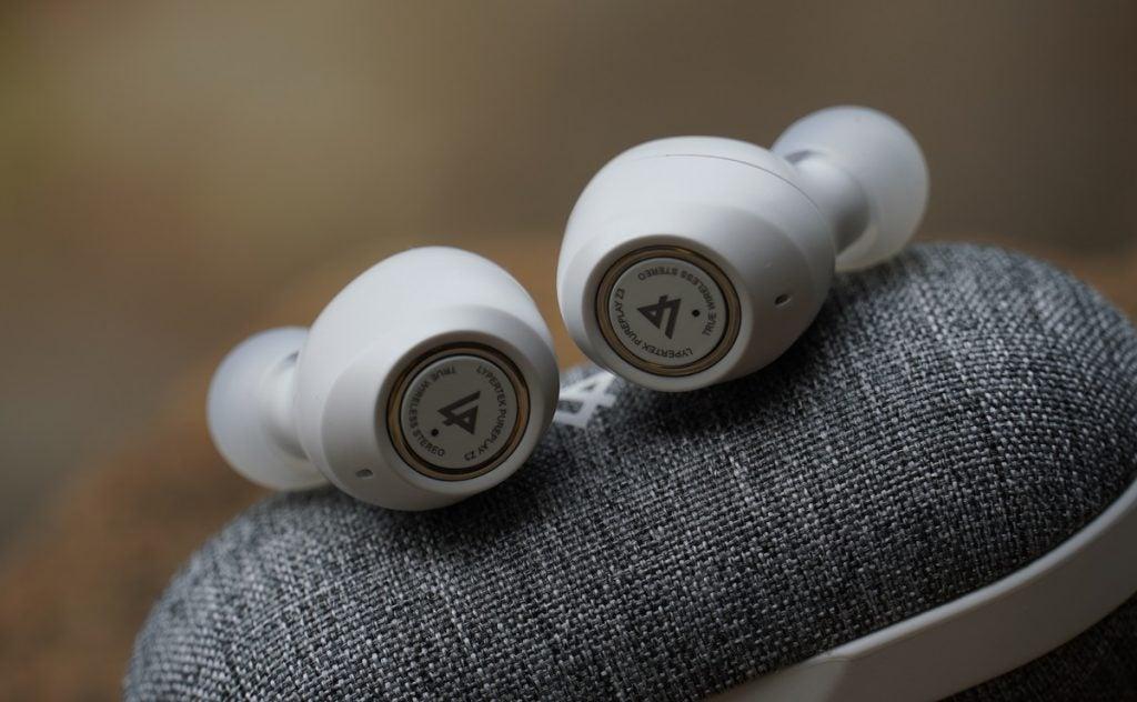 Lypertek PurePlay Z3 2.0  earbuds on case