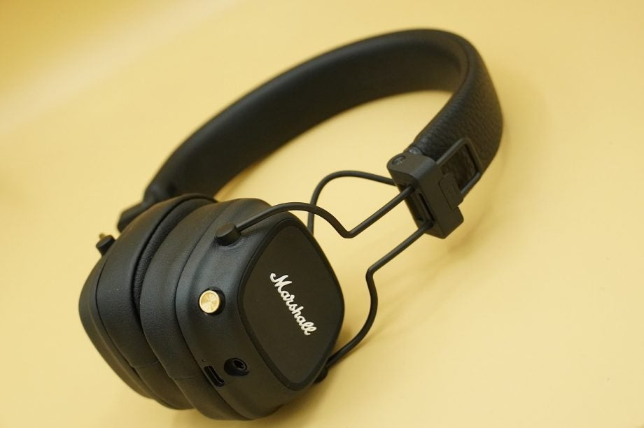 Marshall Major IV headphones in black