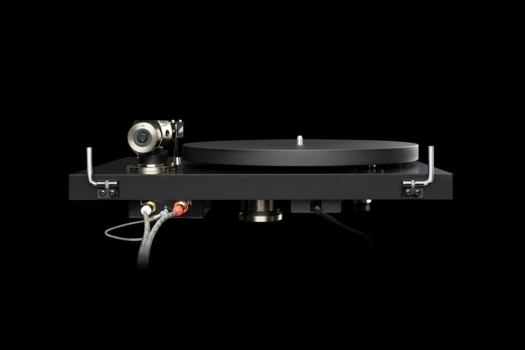 Connections on Debut PRO turntable
