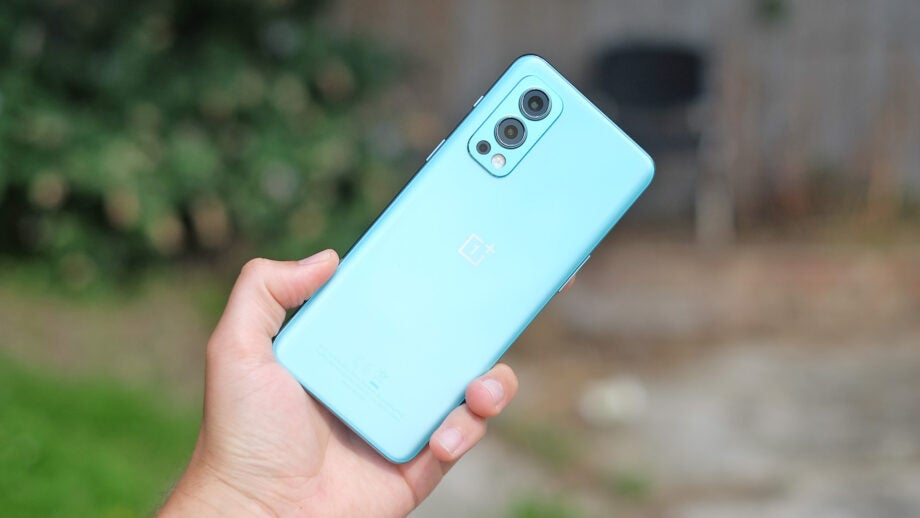 oneplus nord 2 5g front pic of phone back
