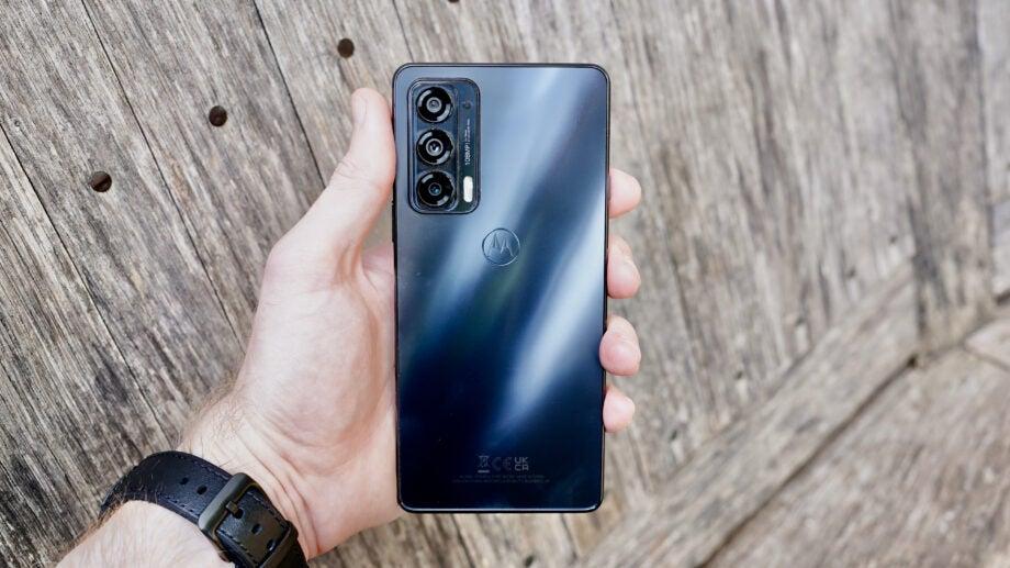 Motorola Edge 20 back hold
