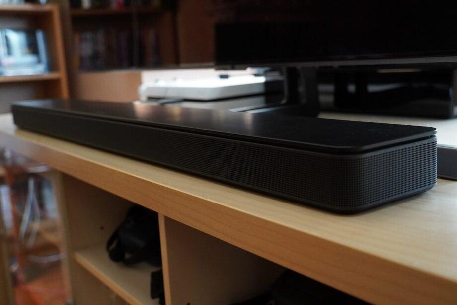 Bose Soundbar 500 on TV stand