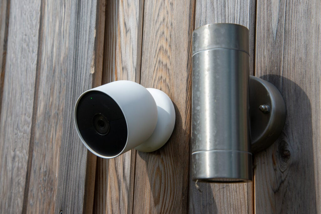 Nest Cam outdoor or indoor battery from the side