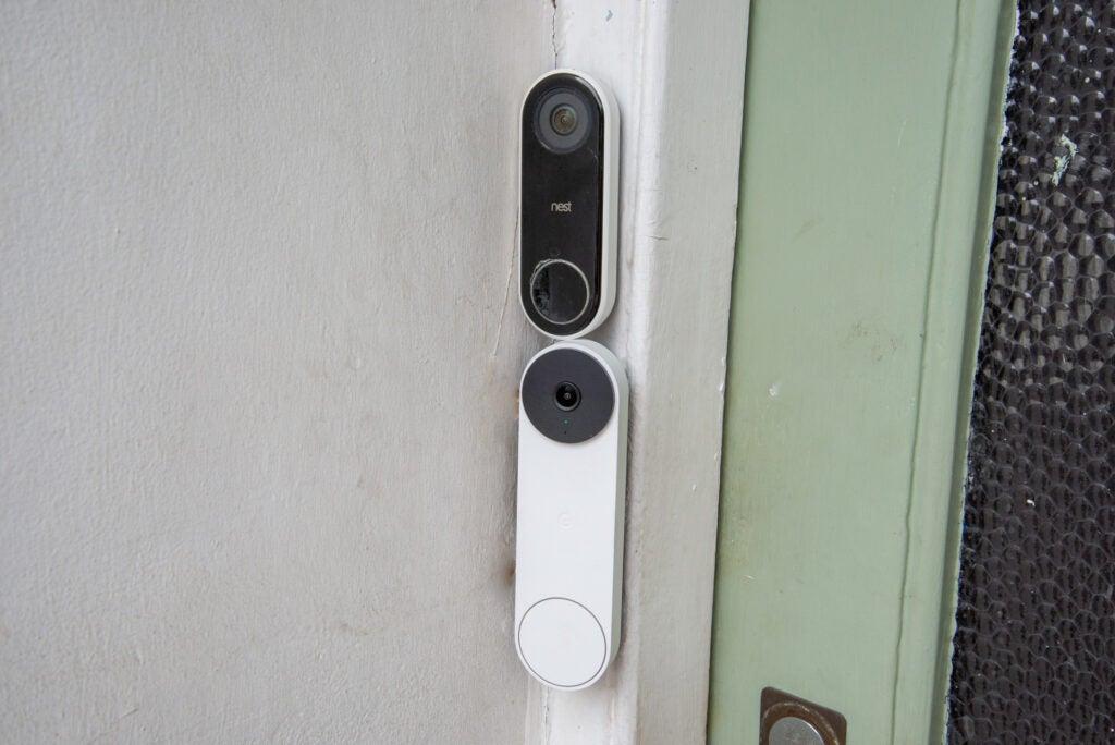 Nest Doorbell (battery) with Nest Doorbell (wired)
