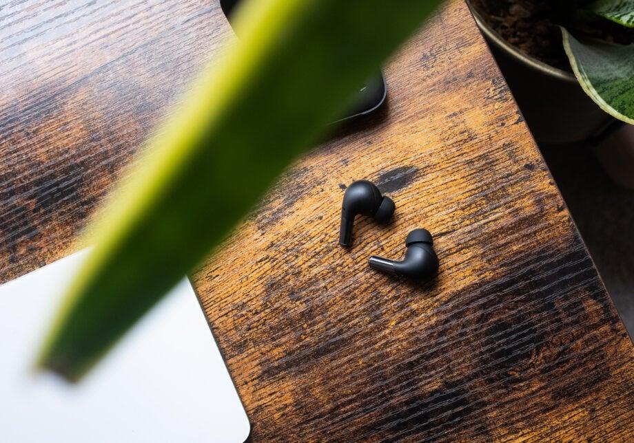 OnePlus Buds Pro buds in black