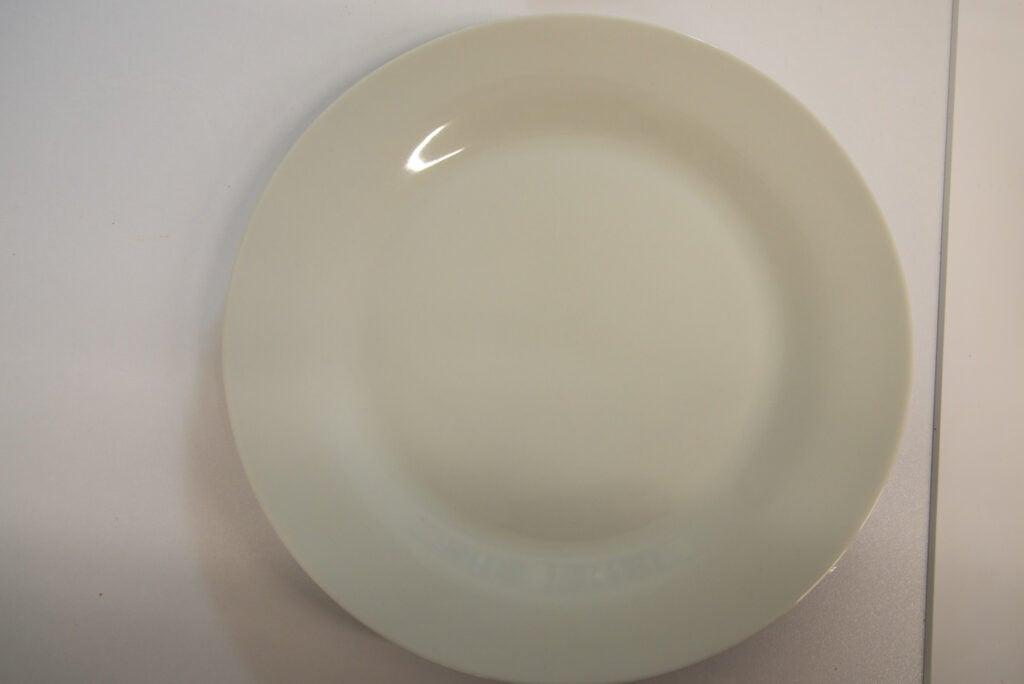 Sharp QW-NA26F39DW-EN clean ketchup plate