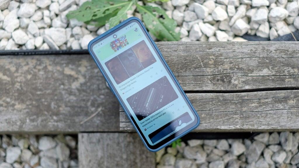 Поиск в Google на Nokia XR20